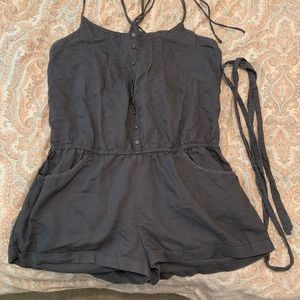American eagle romper with tie waist &back